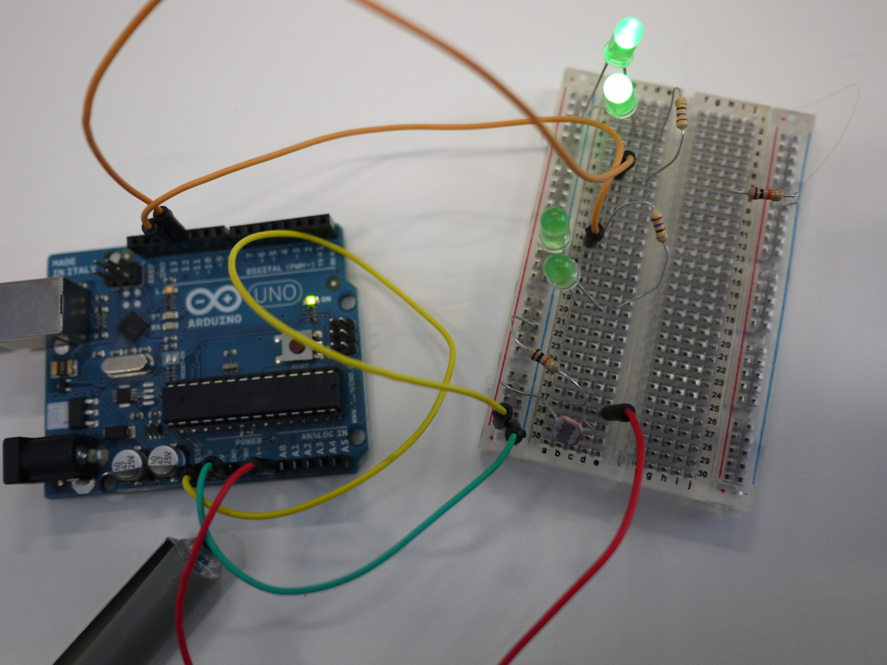 Playing with Arduino. Mad Lab workshop, twitter related code and LEDs controlled by light sensors. I find listening to some palatable Hip-Hop helps me get to grips with this Tom Foolery AKA Jiggery Pokery AKA Hocus Pocus AKA Innovative Technology. Just saying.