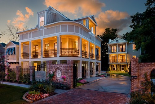 georgianadesign:  Houston town home. Frankel Building Group.