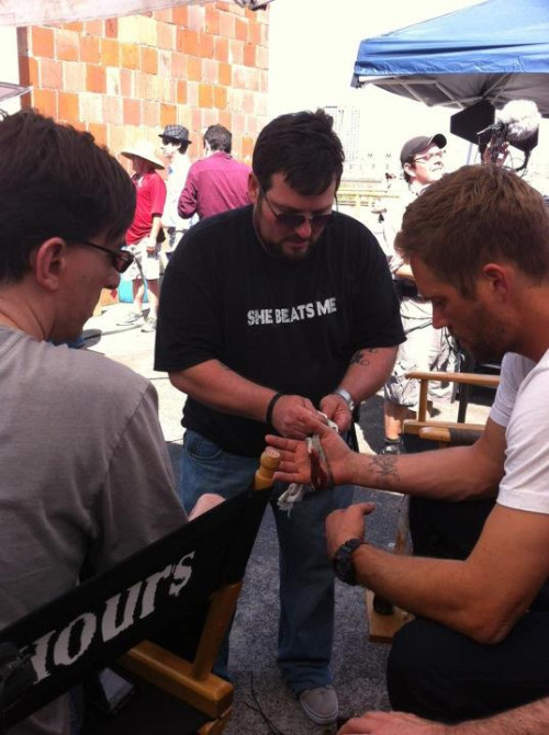 "Gah! Me too. welovepaulw:  Paul Walker On the set of ""Hours"" , I want more photos >_<OMG ♥"