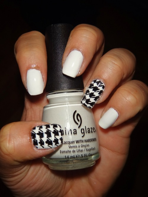 Houndstooth Pattern using China Glaze's White on White.Enjoy! :)