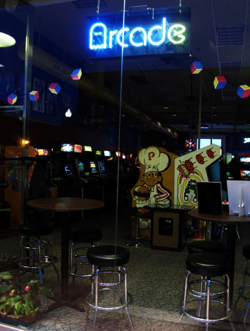 it8bit:  Yestercade's - Red Bank, NJ. Submitted by JCJ (via:arcadenation)