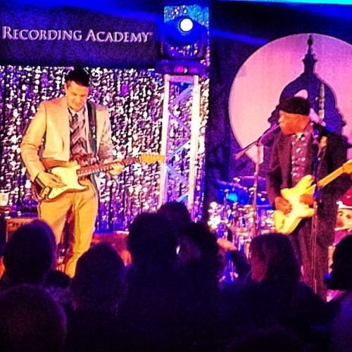 johnmayernewsbr:  John Mayer with Buddy Guy at Grammy's On The Hill Photo By  @torihatesyou
