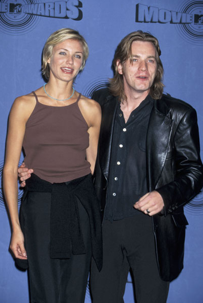 A Life Less Ordinary co-stars saying cheese at the 1997 MTV Movie Awards.