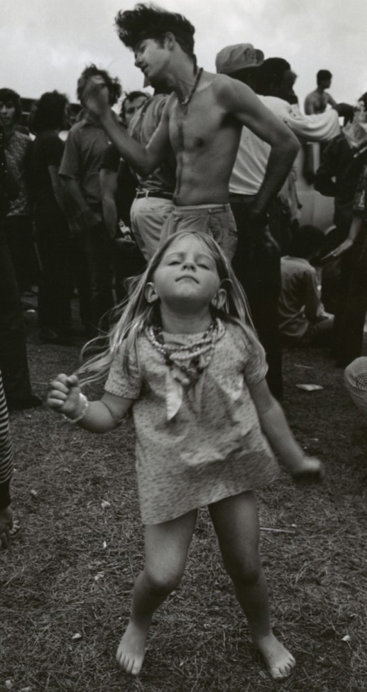 incitieseverywhere:  Woodstock dancing girl