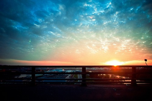 surferdude182:  Good bye sunset (by Vergio Graffito)