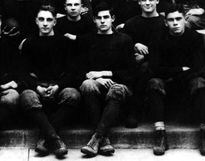 Ernest Hemingway and the Oak Park High School football team, November 1915.