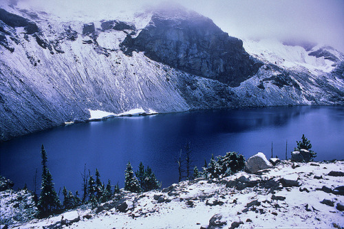Snowy Lake View by justb on Flickr.