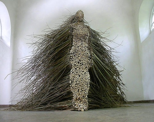 miss-mary-quite-contrary:  Figurative Willow Branch Sculpture by Olga Ziemska