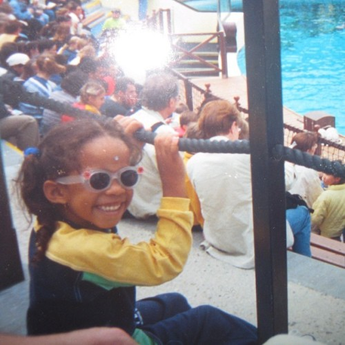 Throwback thursday 👶 #little#me#london#england#bigsmile#sunglasses#happy#kid#memories#love#instamood (Publicado com o Instagram)