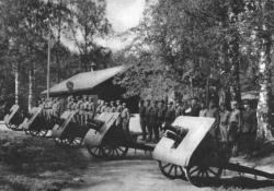 "suomisodassa:  Artillery Battery ""Civil Guards"" of Kuopio, armed with modele 1909 Schneider mountain guns."