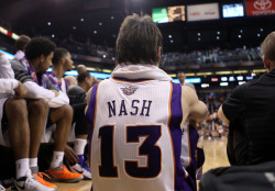May very well be one of the last photos taken of Nash as a member of the Suns. Come to Miami~~