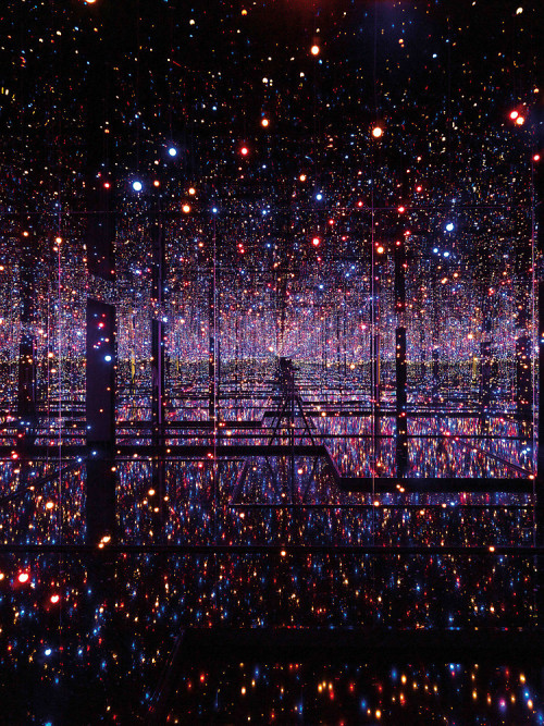 blua:  Japanese artist Yayoi Kusama - who has notably lived in a psychiatric institution for the last four decades - has been obsessed with dots and infinity for her entire career, an inspiration she attributes directly to her hallucinations. In an attempt to share her experiences, she creates installations that immerse the viewer in her obsessive vision of dots or infinitely mirrored space.