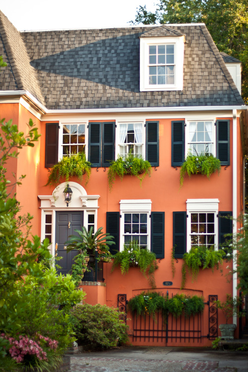 ourcharlestonlife:  61 1/2 South Battery, Charleston, SC