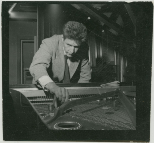 "thisistheverge:New York Public Library celebrates John Cage with user submitted videos During his life John Cage helped provide the world with unique ways of looking at music — the most famous of which is probably his composition 4'33"" — and now the New York Public Library is creating an equally unique way to honor his career. Called John Cage Unbound: A Living Archive, the project includes a collection of his manuscripts and a series of videos featuring interpretations of his work, but there's also an interactive element."