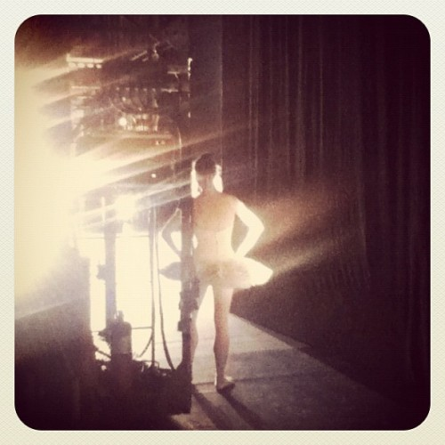 Waiting in the wings at dress rehearsal. © SF Ballet