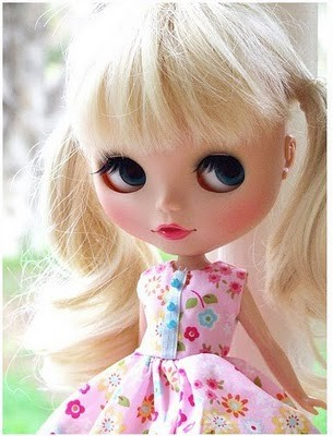 (via Big Eyed Blythe Dolls / It's a Blythe world 55d9ecd41 in We Are Different's Blog - Buzznet)