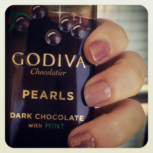 Yum. #nails #nailpolish #glitter #gloss #nude #hand #fingers #snack #chocolate #darkchocolate #mint #godiva #chocolatier #pearls (Taken with instagram)