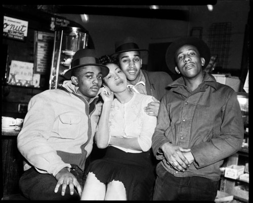 "killerbeesting:  charles ""teenie"" harris - three men and a woman at a restaurant counter, 1948–1960"