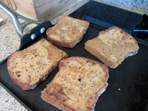 Vegan (gluten free) french toast!  Click photo for recipe