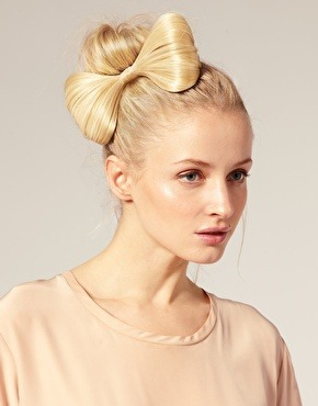 fuckyeahfantasyhair:  Found some very cute hair bows on asos and thought I would share with you! They also have pink, black, brown, and blue available. http://rstyle.me/ftmekgii8e