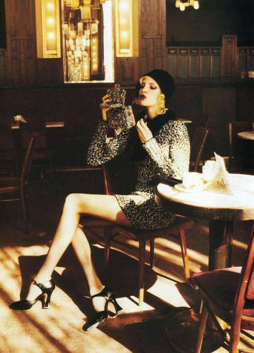 lifeaficionada:  Nadja Auermann • Helmut Newton • Vogue, September 1994