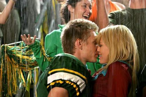 thatgirlyouthinkabout:  bucket list: kiss in the rain. <3  Same. Even though its chessy. :)