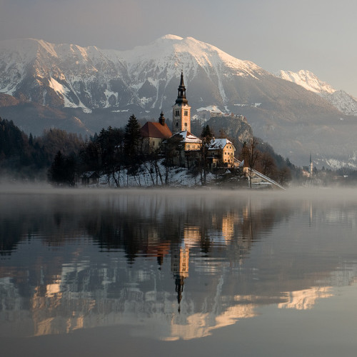 weaas:  Bled on a foggy morning /2 by Erik Meylemans on Flickr.