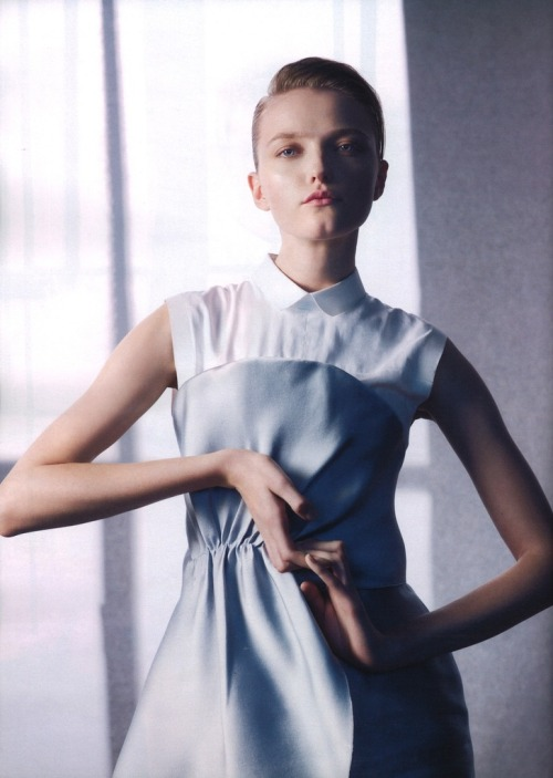 Vlada Roslyakova by Sophie Delaporte for Les Echos Vlada Roslyakova , March 2012