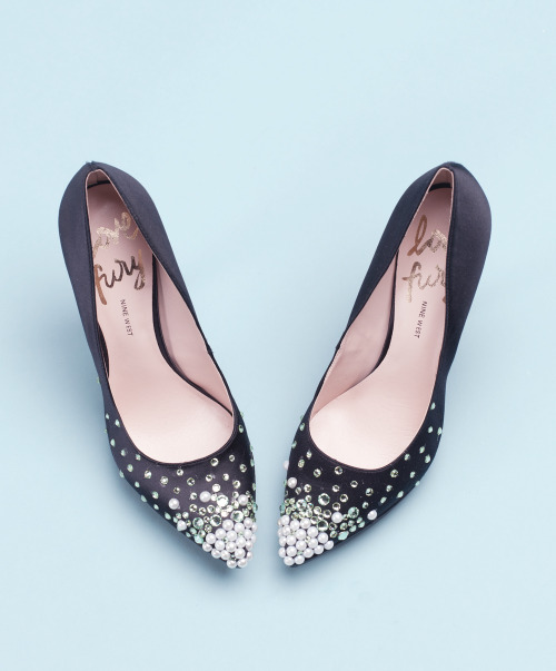 It's time to DIY! Transform plain black pumps into serious statement-makers. Learn the simple and chic steps here »