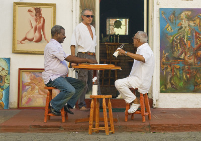 williamsonsbeauty:  streetlife in Santa Domingo - Dominican Republic > http://williamsonsbeauty.tumblr.com/ photo by Daniel Alvarez   Some nice photos of everyday life in DR.