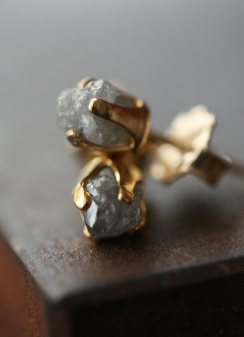 foxontherun:  (via My Style Pinboard / Rough Diamond Stud Earrings by LexLuxe on Etsy)