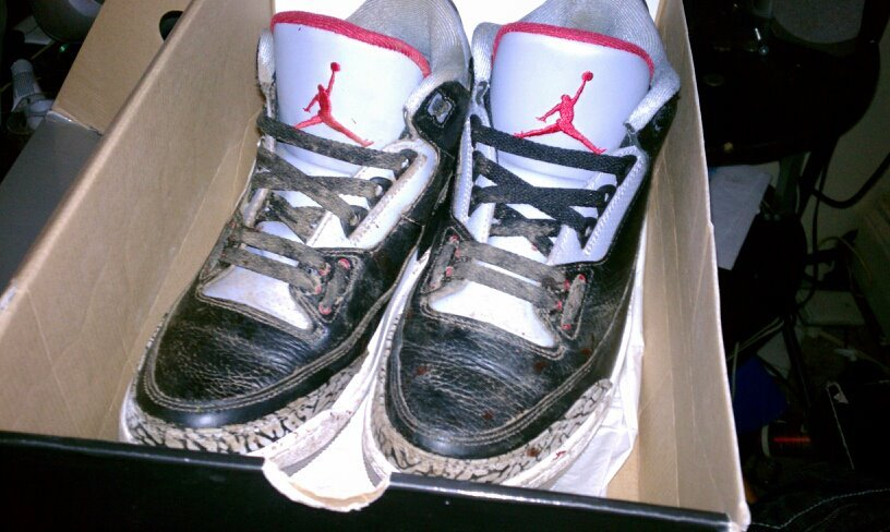 My Cement Jordan 3s are just not tha same anymore ever since this Tragic Incident R.I.P :'( #TeamYungAzLaN