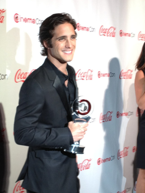 "diego-boneta:  ""@RockofAgesMovie Huge congrats to @DiegoBoneta on receiving #CinemaCon's Rising Star of 2012 Award tonight!. Look out, Hollywood!"""