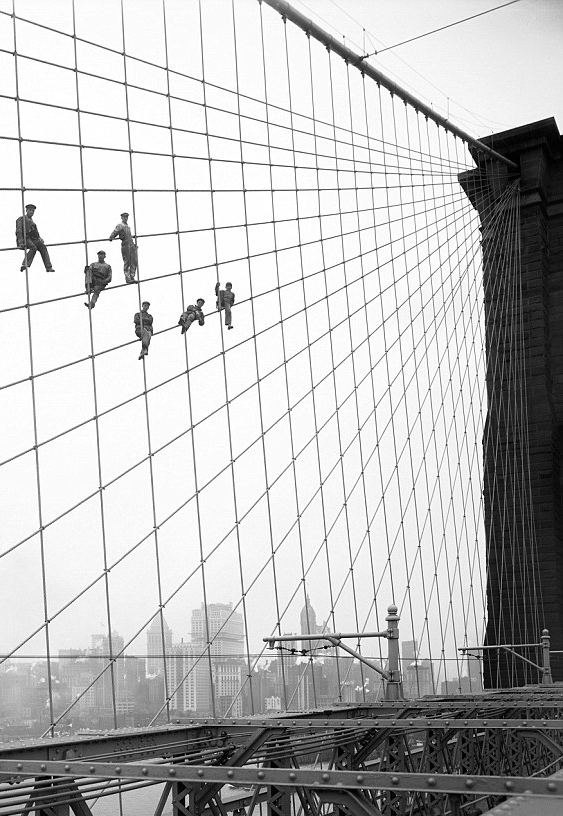 youthattackmob:  Painters on Brooklyn Bridge. 1914