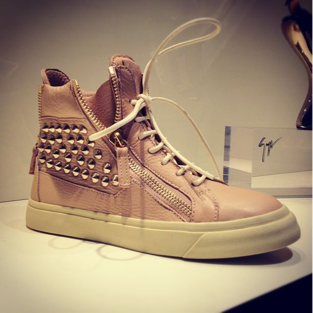 Giuseppe Zanotti @ GIUSEPPE ZANOTTI DESIGN 銀座店. Super soft nude leather sneakers with gold studs (Taken with Snapette)