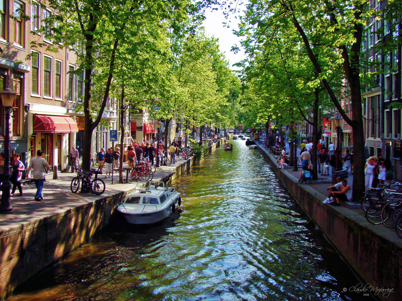 handa:  Amsterdam, Holland 076 - Spring at the canal (via Claudio.Ar (2 Million safe views, thanks!!!!!!!))