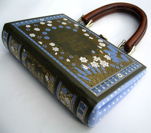Bag made out of Jane Austen book, gives me ideas, but maybe with a book from a charity shop