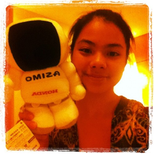 With the honda asimo doll! #freebies (Taken with instagram)