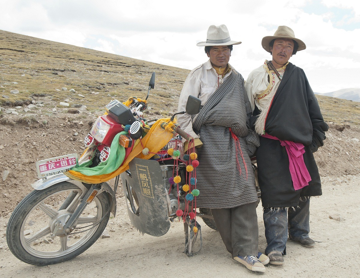Tibetans and their motorcycle, U-Tsang Tibet (TAR) September 2011 at 5200m altitude
