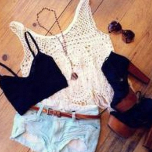 #fashion #vintage #style #shorts #heels #shoes #outfit #weheartit (Taken with instagram)