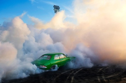 Photos of Burnout Competitions in Australia by http://www.simondavidson.com.au/