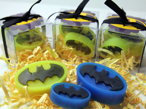 herochan:  Batman Kid Soaps Available at Tub Time