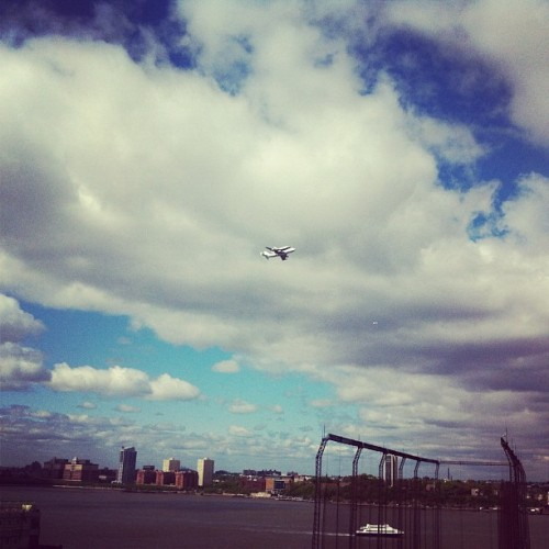 moneyries:  #spottheshuttle #instagramtheshuttle (Taken with instagram)  FTW!