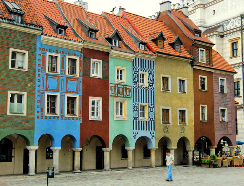 travelingcolors:  Merchants' Houses, Poznan | Poland (by ShamballaLady)