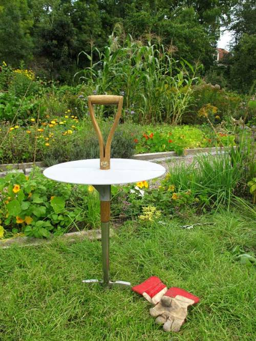 Garden Table by Fredrik Paulsen A shovel-table for the garden