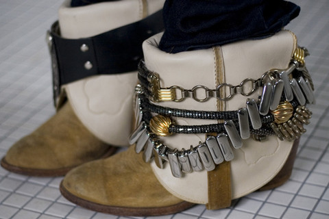 #FashionForwardFridays: Blinging out those boots!