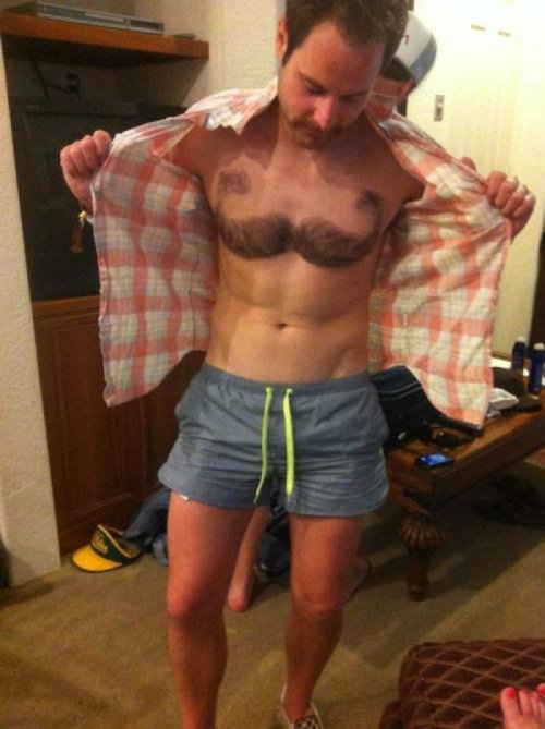 I wish I could pull of chest hair  collegehumor:  Best Pictures of the Week Our favorite pictures from the internet this week.