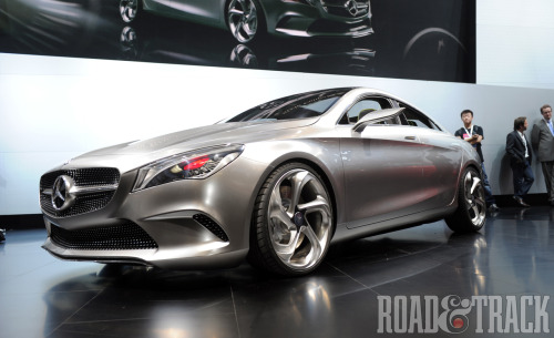 The Mercedes-Benz Concept Style Coupe is powered by a direct-injected 2.0-liter 4-cylinder turbocharge engine to produce 208 bhp via a 7-speed dual-clutch transmission and 4Matic all-wheel drive system. (Source: Road & Track)