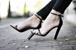 what-do-i-wear:  HEELS: ALEXANDER WANG,  (image: comeovertothedarkside)