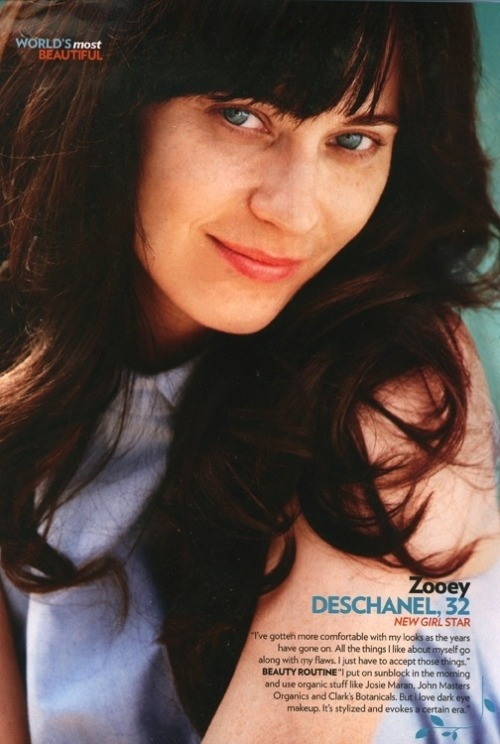 "Zooey Deschanel without eyeliner (apparently a ""moment""?)."